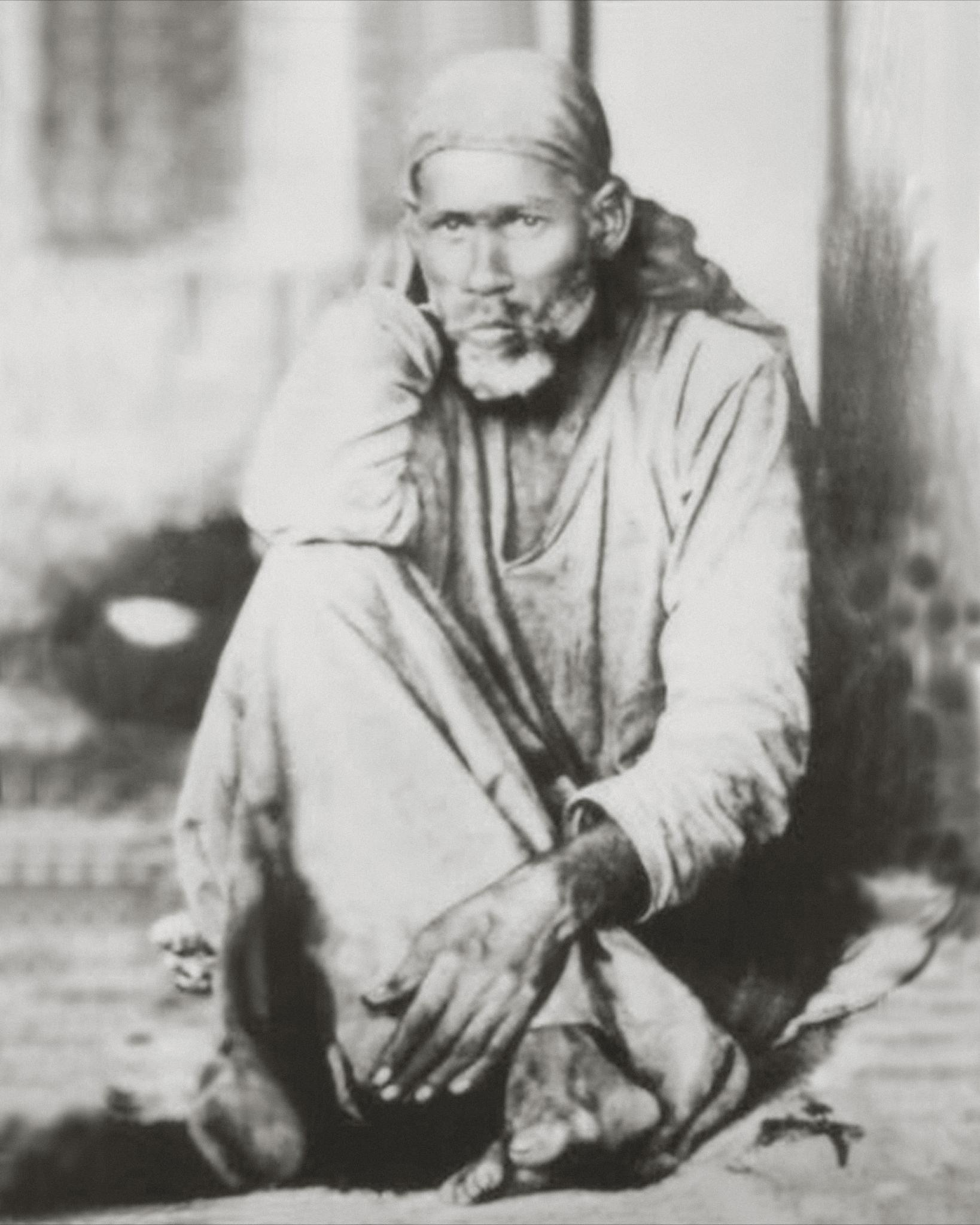 Shirdi Sai Baba Real Photos : Original Pictures - Virti Patel
